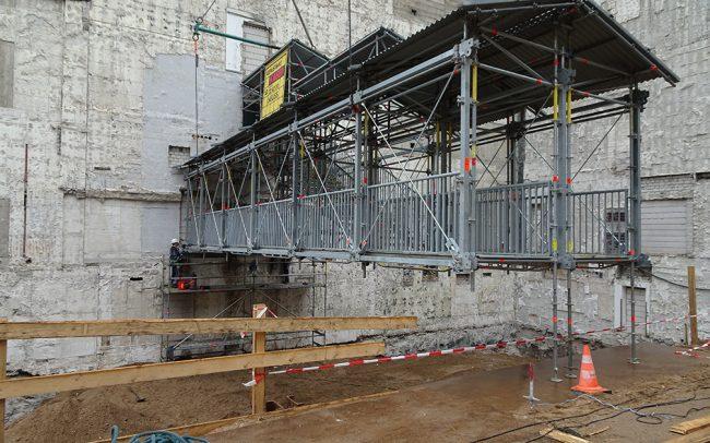 Treppengerüst Brückenkonstruktion Düsseldorf Deutsche Bank Gerüstbau Kaiser