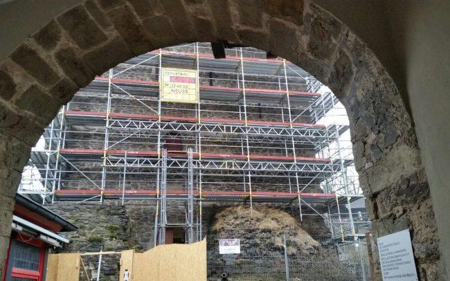 Fassadengerüst Solingen Schloß Burg Gerüstbau Kaiser