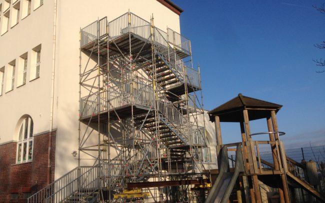 Treppengerüst Düsseldorf Schule Heinsenstraße Gerüstbau Kaiser
